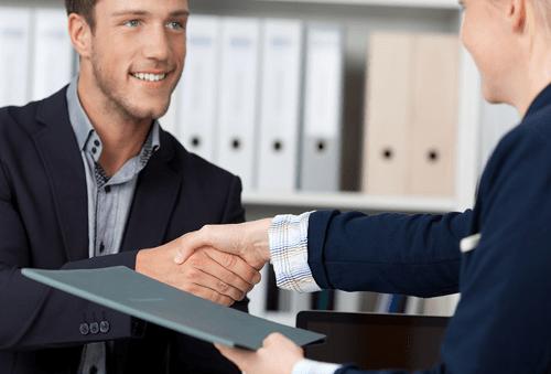 Анкета для работника при приеме на работу: какие разделы включить в документ